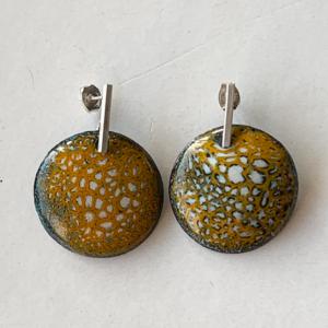kerrie-gele-oorbellen