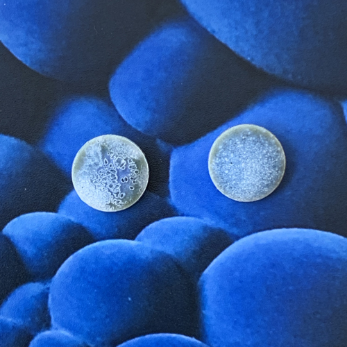 oorstekers-emaille-midden-blauw