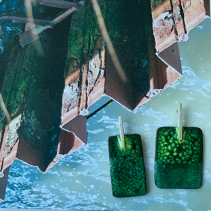 oorbellen-emaille-met-groen-zilver